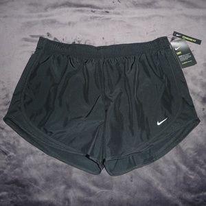 NWT Nike Dry Dri-Fit Tempo Run Shorts XL